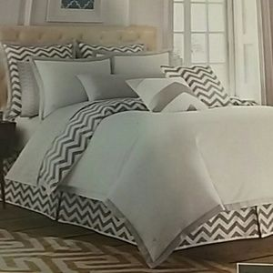 West Point nwt twin reversible duvet cover…